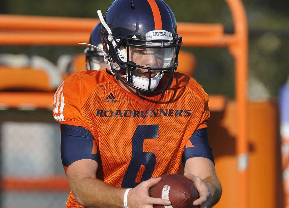 Tucker Carter is the starter, but UTSA plans to play its other two QBs on Friday, too. Photo: Darren Abate / For The Express-News