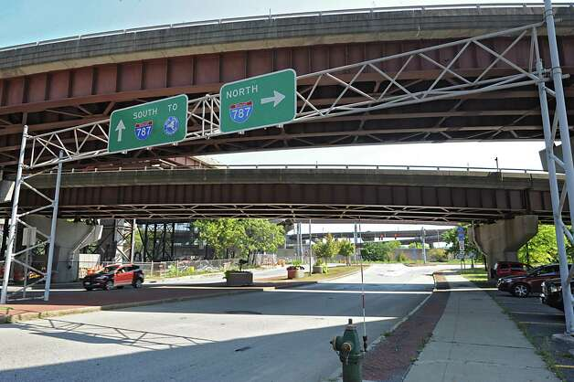 The I-787 ramps near Madison Ave. on Tuesday, Aug. 26, 2014 in Albany, N.Y. The Capital District Transportation Committee (CDTC) is undertaking a study on what to do with I-787 in downtown Albany to make the river more accessible. (Lori Van Buren / Times Union) Photo: Lori Van Buren / 00028345A
