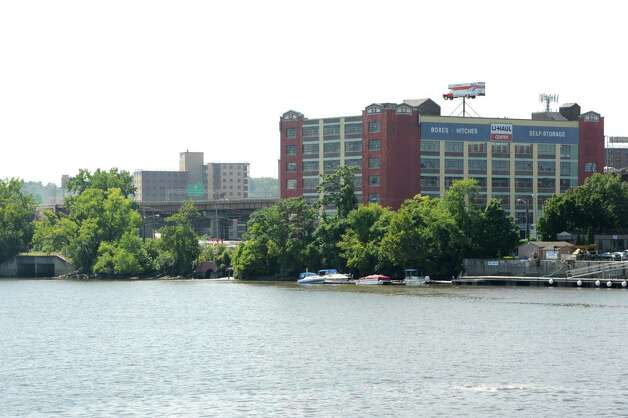 View of South Albany showing I-787 from Rensselaer on Tuesday, Aug. 26, 2014 in Albany, N.Y. The Capital District Transportation Committee (CDTC) is undertaking a study on what to do with I-787 in downtown Albany to make the river more accessible. (Lori Van Buren / Times Union) Photo: Lori Van Buren / 00028345A
