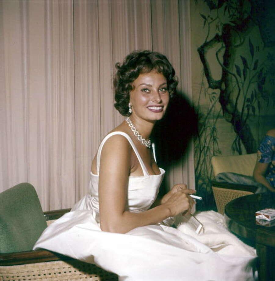 The Italian actress Sophia Loren smiling during the Film Festival. Venice, 1958 (Photo by Mario De Biasi/Mondadori Portfolio via Getty Images) Photo: Mondadori, Mondadori Via Getty Images / Mario De Biasi per Mondadori Portfolio