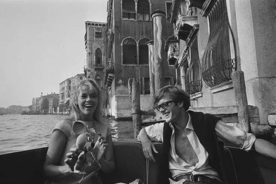Venice 1966: Jane And Peter Fonda. Photo: LE TELLIER Philippe, Paris Match Via Getty Images