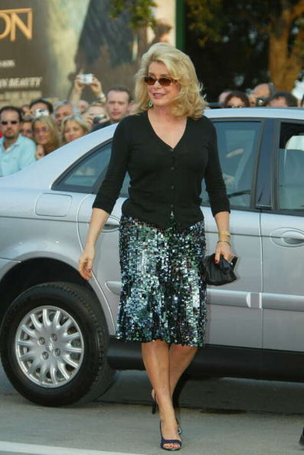 "Catherine Deneuve,  arrives for the screening of the Tonie Marshall's film ""Au plus pres du paradis"" at the 59th Venice Film Festival August 31, 2002 in Venice, Italy. Photo: Pascal Le Segretain, Getty Images / 2002 Getty Images"