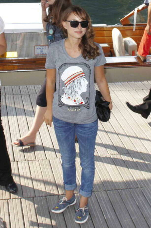 "Natalie Portman arrives at Casino Lido Pier for the screening of ""Eve"" during the 65th Venice Film Festival on September 1, 2008 in Venice, Italy. Photo: Lorenzo Santini, FilmMagic / 2008 Lorenzo Santini"