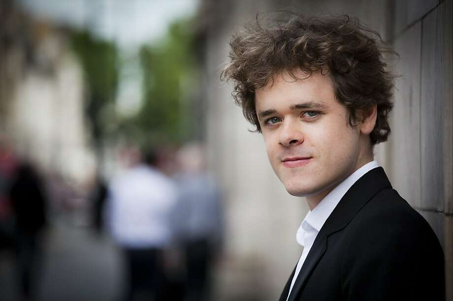 Pianist Benjamin Grosvenor solos with the San Francisco Symphony in Davies Symphony Hall, Thu-Sat (Sept. 4-6) Photo: Opera Omnia