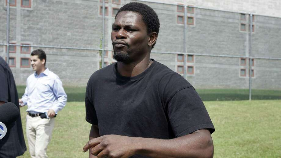 Jermain Taylor leaves the Pulaski County Jail in Little Rock, Arkansas, after spending the night there following his arrest for shooting his cousin on Tuesday. He is free on $25,000 bond; the cousin was hospitalized in serious condition. Photo: Danny Johnston, Associated Press / AP