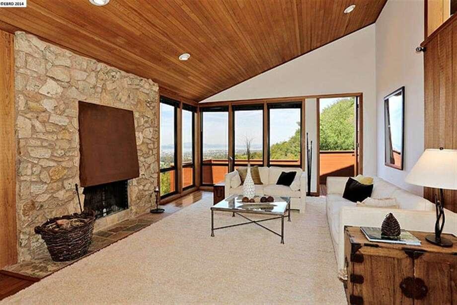 The sunken living room Photo: EBRD