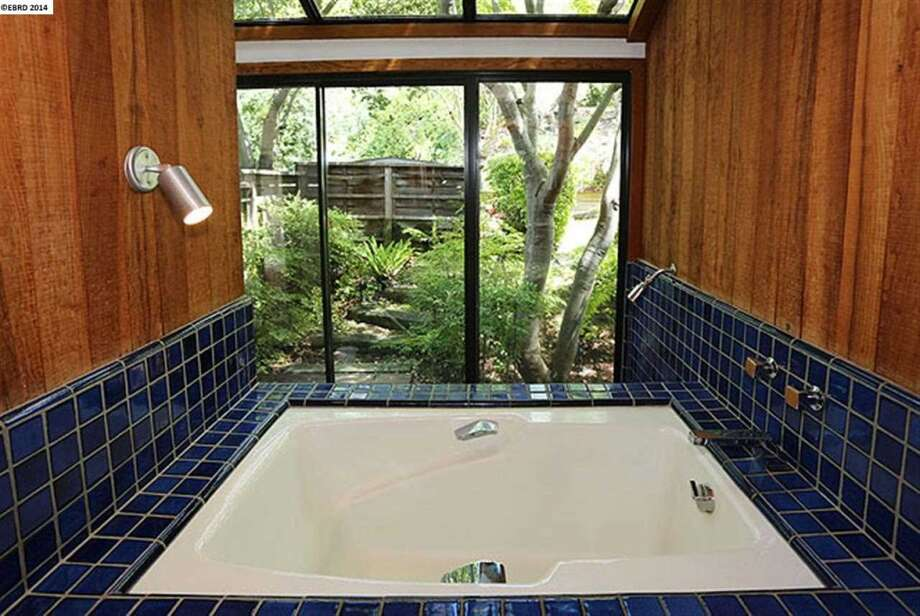 Soaker tub Photo: EBRD