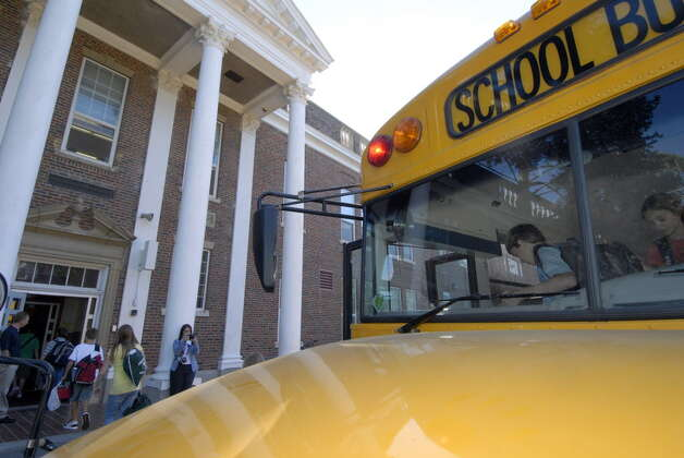 Students leave their bus and enter Van Antwerp Middle School in Niskayuna in this first day of school in 2007. (Skip Dickstein/Times Union archive) Photo: SKIP DICKSTEIN / ALBANY TIMES UNION