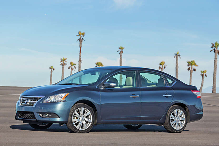2014 Nissan Sentra SL (photo courtesy Nissan) Photo: Nissan / © 2014 Nissan