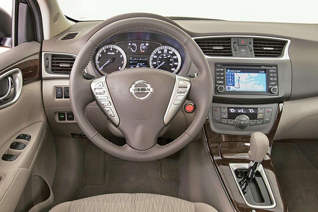 2014 Nissan Sentra SL (photo courtesy Nissan) Photo: Nissan / © 2014 Nissan