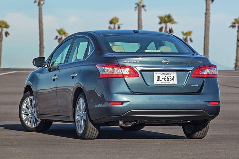 2014 Nissan Sentra SL (photo courtesy Nissan)