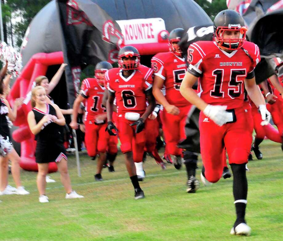 Kountze's match up with Hull-Daisetta at the Lion's stadium on Friday night. Cassie Smith/The Enteprise Photo: Picasa