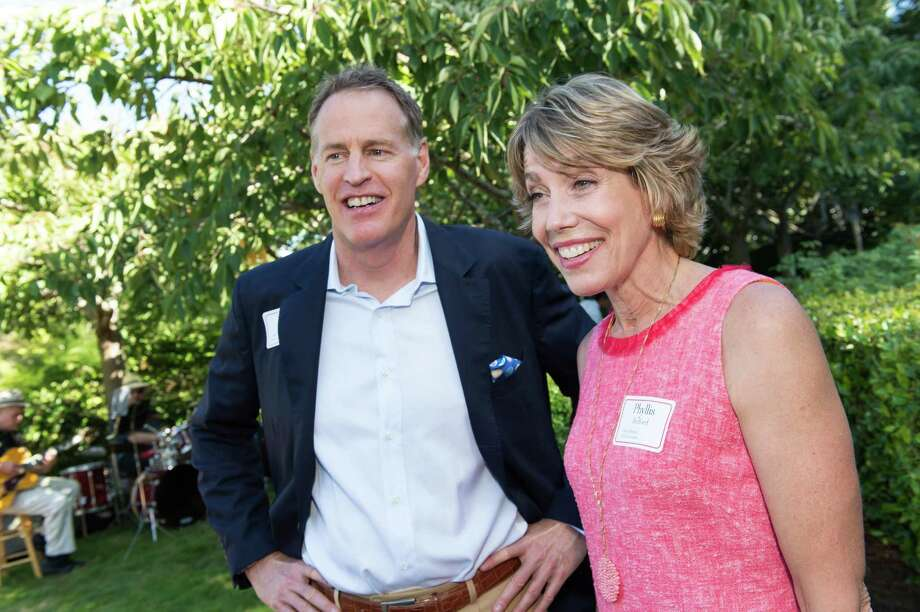 Scott Bedford and Phyllis Bedford at CASA of San Mateo County's Auxiliary Garden Party on August 24. 2014. Photo: Susana Bates For Drew Altizer, Drew Altizer Photography / DREW ALTIZER PHOTOGRAPHY