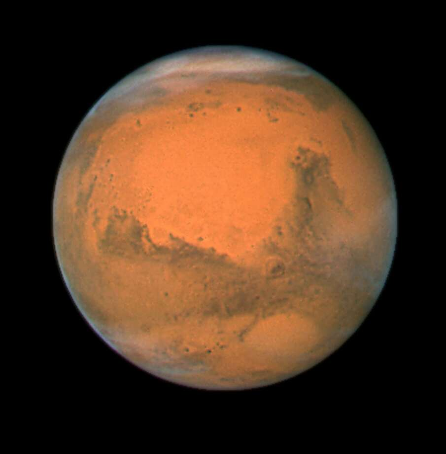 Planet mars from Space Photo: UniversalImagesGroup, Getty Images