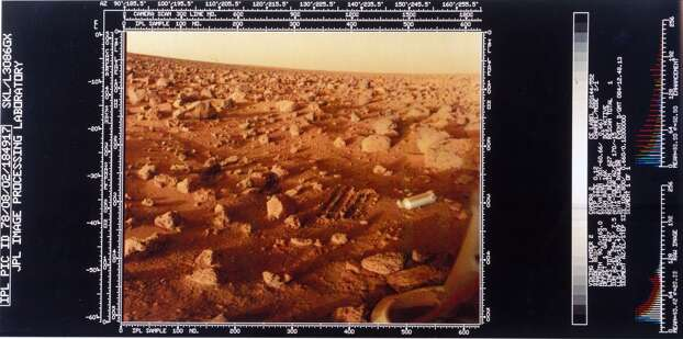 Close up of the Martian surface, Viking 2 1976. This shows one of the lander's feet and the scrape marks left in the surface by the soil probe. Viking 2 was launched on 9th September 1975 and landed in the Utopia Planitia region of Mars on 3rd September 1976, where it studied the Martian environment, soil constituents and searched for simple life forms - none were found. Photo: Science & Society Picture Librar, SSPL Via Getty Images