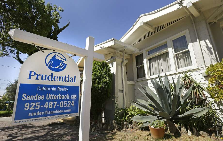 Homes like this one for sale in Alameda last month are selling at an increased rate, the National Association of Realtors said. Photo: Ben Margot, Associated Press
