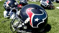 Texans host 49ers in preseason finale - Photo