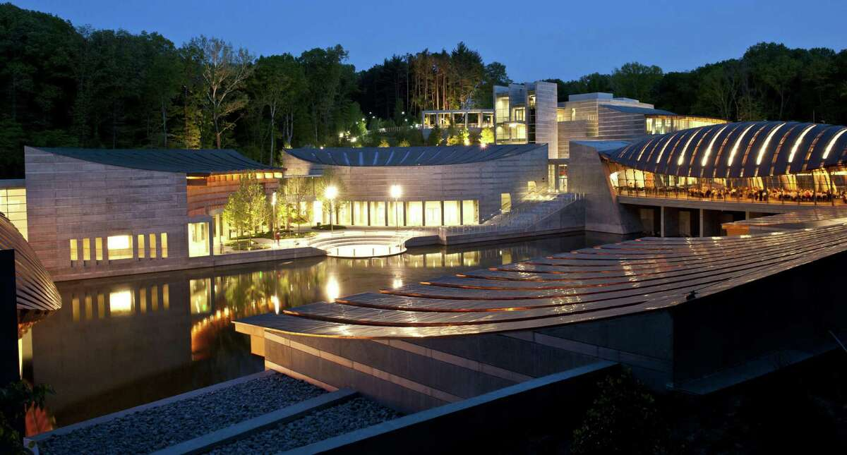 Crystal Bridges Museum of American Art in Bentonville, Arkansas, will host