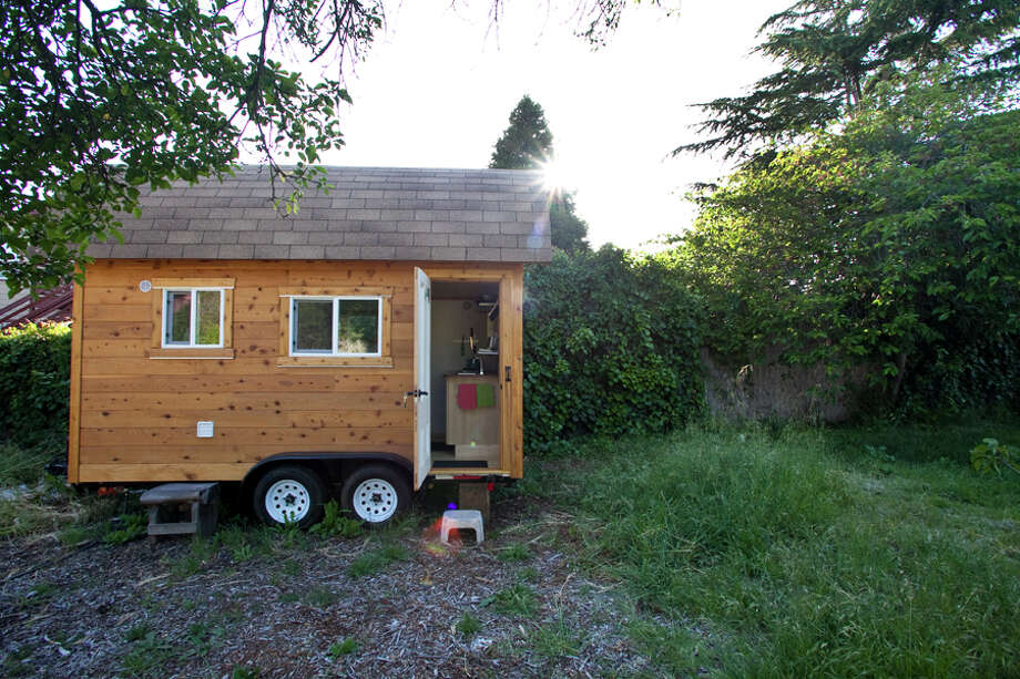 Quirky and cool Airbnb listings in the Bay Area...Tiny house in a large yard
