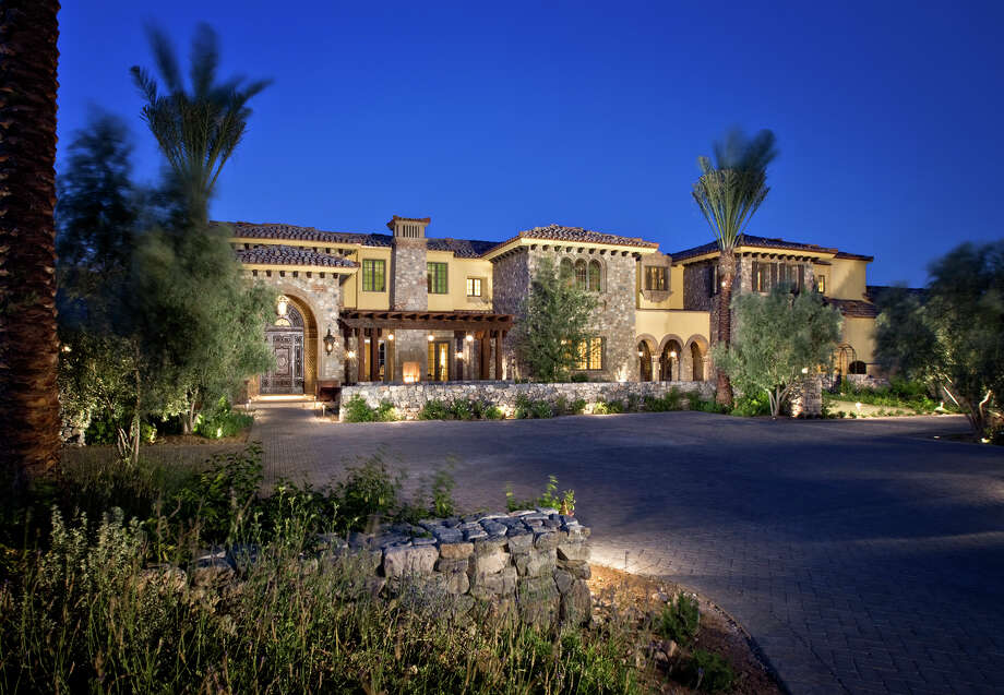 Exterior of Randy Johnson's estate in Paradise Valley, Ariz. Photo: Dino Tonn Photography, Courtesy Joffe Group/Berkshire Hathaway HomeServices Arizona Properties