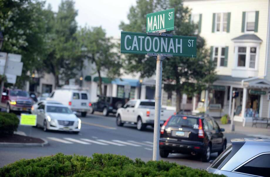 Traffic on Main Street/Route 35 in Ridgefield, Conn., Wednesday, Aug. 27, 2014. Photo: Autumn Driscoll / Connecticut Post
