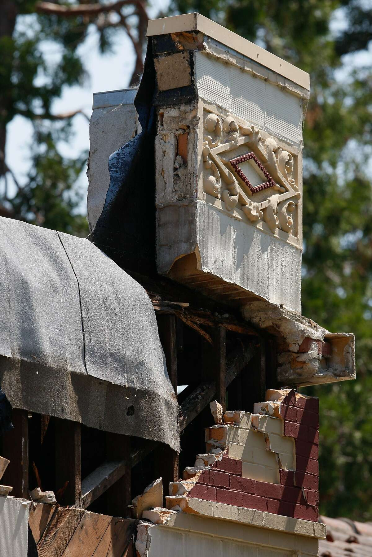 heavy damage is seen on 587 Jefferson Street after yesterday morning's earthquake on August 25, 2014 in Napa, CA.