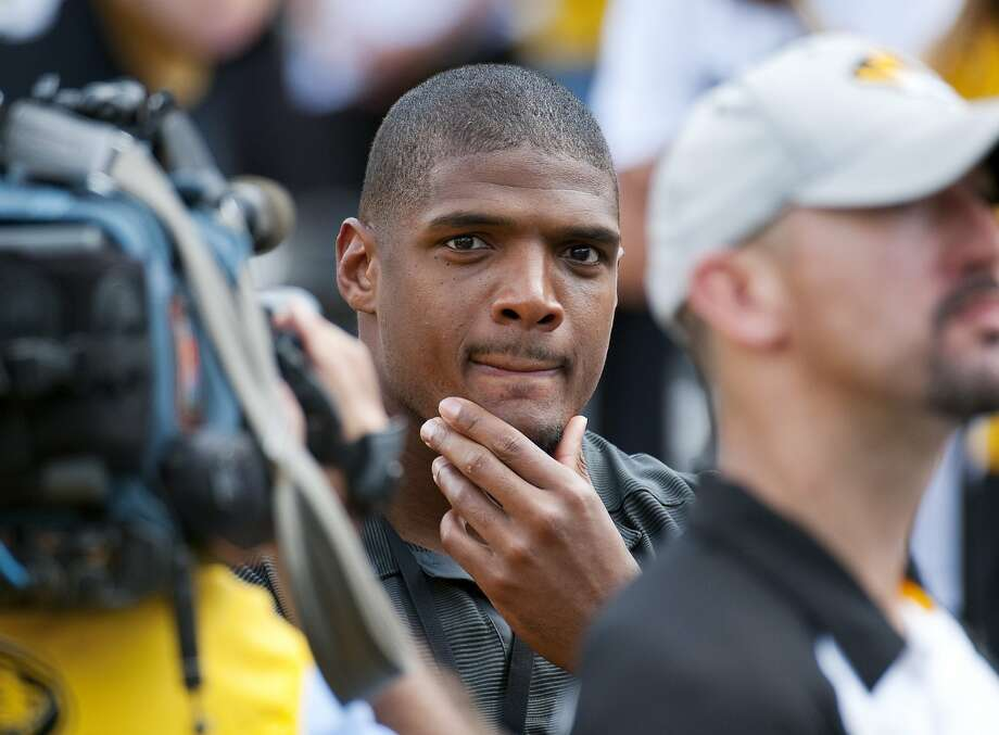 Michael Sam, the first openly gay NFL draft pick, failed to make the Rams' 53-man roster. Photo: L.G. Patterson, Associated Press