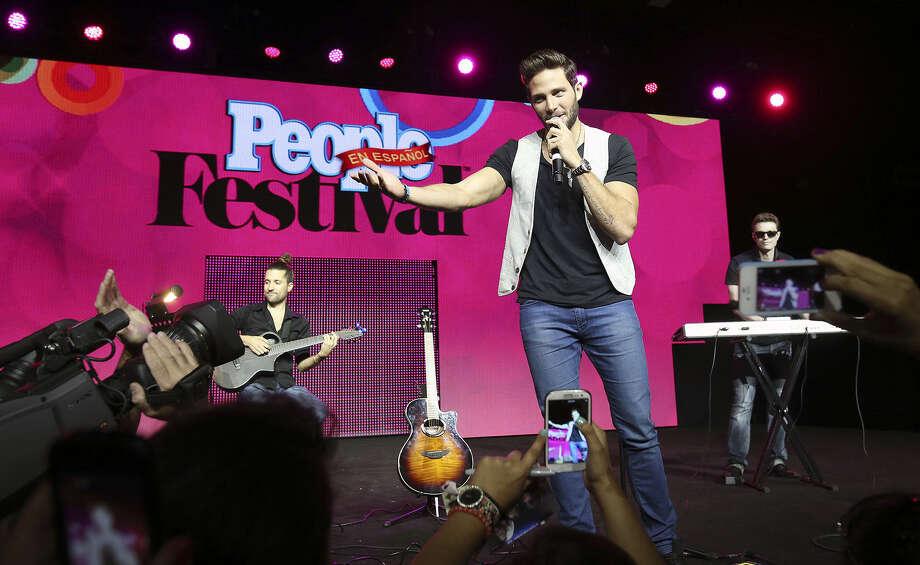 Venezuelan actor-singer Gabriel Coronel performs at Festival People en Español. Photo: Tom Reel / San Antonio Express-News
