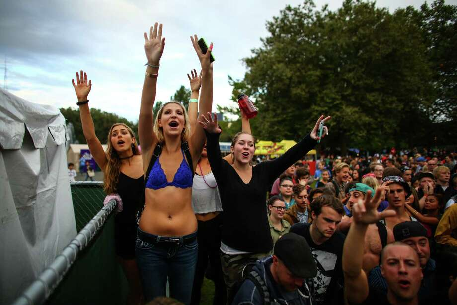 Fans cheer as rapper G-Eazy performs on the Fisher Green Stage. Photo: JOSHUA TRUJILLO, SEATTLEPI.COM / SEATTLEPI.COM