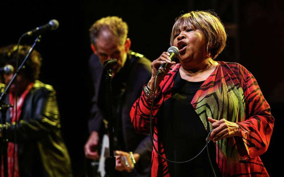 Mavis Staples performs on the Starbucks Stage during day one of Bumbershoot. Photo: JOSHUA TRUJILLO, SEATTLEPI.COM / SEATTLEPI.COM