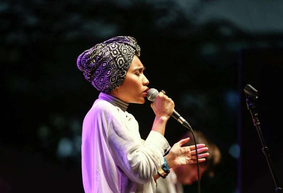 Yuna performs on the Starbucks Stage. Photo: JOSHUA TRUJILLO, SEATTLEPI.COM / SEATTLEPI.COM