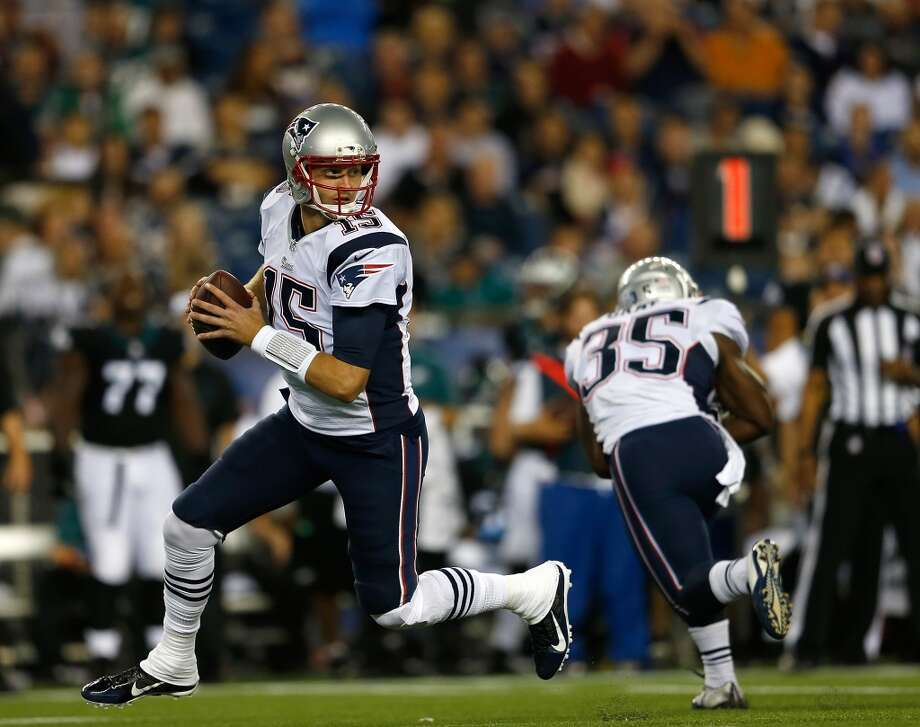 FOXBORO, MA - AUGUST 15: Ryan Mallett #15 of the New England Patriots prepares to throw against during their pre-season game with the Philadelphia Eagles at Gillette Stadium on August 15, 2014 in Foxboro, Massachusetts. (Photo by Jim Rogash/Getty Images) Photo: Jim Rogash, Getty Images