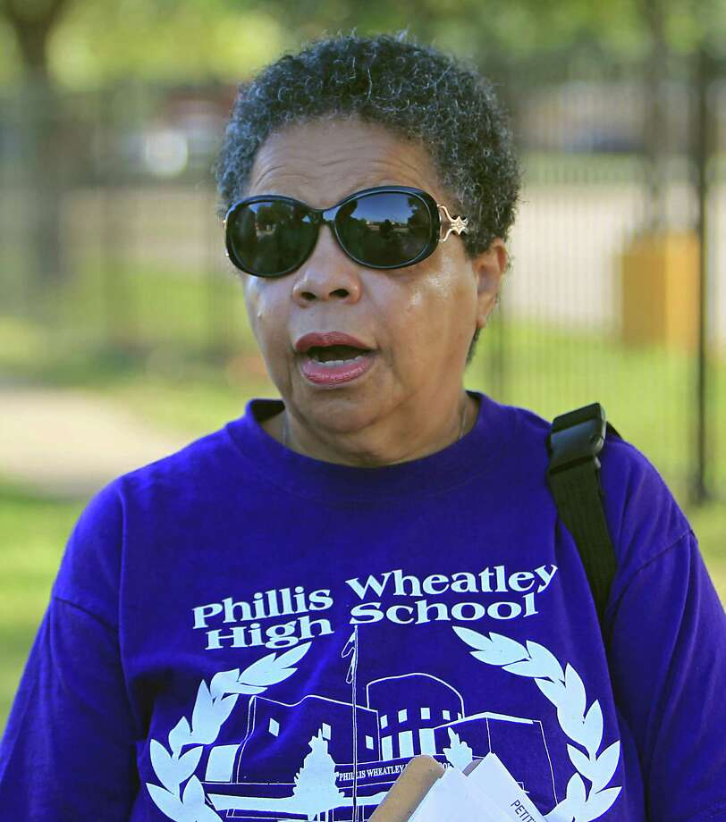Ida Powell along with community leaders protest the demolition of the historic Wheatley / E. O. Smith school in the Fifth Ward Monday, Sept. 1, 2014, in Houston. Photo: James Nielsen, Houston Chronicle / © 2014  Houston Chronicle
