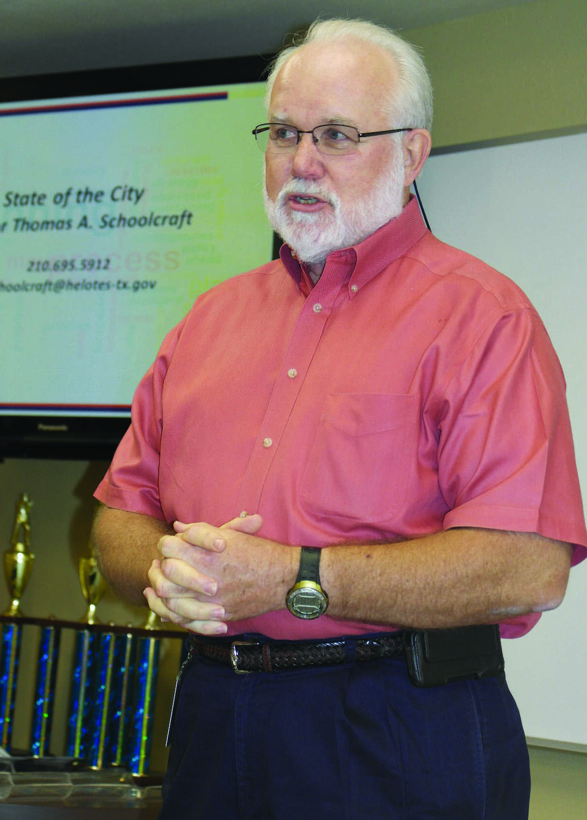During his State of the City address, Helotes Mayor Tom Schoolcraft urges chamber members to get involved in community activities.