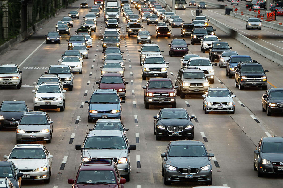 Traffic backs up on U.S. 59 leading into downtown after a series of accidents slowing the morning commute, Monday, Feb. 6, 2012, in Houston. ( Michael Paulsen / Houston Chronicle )
