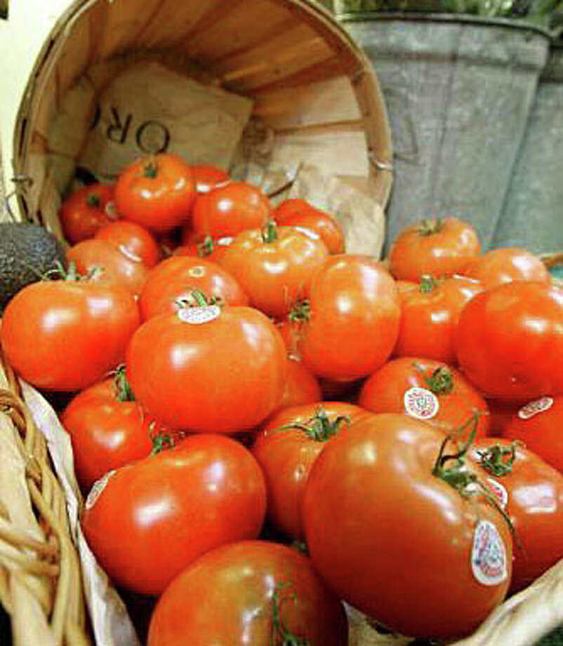 A variety of tomatoes -- and tips on how to grow them -- will be the topic of a program Saturday at the Fairfield Woods Branch Library. Photo: File Photo / Fairfield Citizen