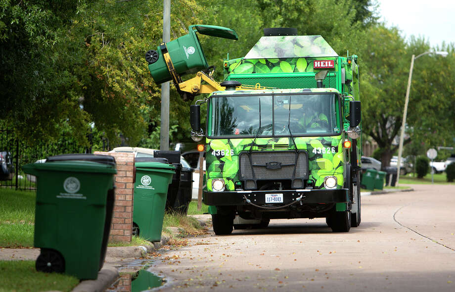 This would be a welcome site for Houstonians who have waited patiently (mostly) for the city to resume curbside recycling. The city halted the program to concentrate on debris removal in the wake of Hurricane Harvey. Mayor Sylvester Turner said he hoped to resume recycling collection next month.>>Hurricane Harvey aftermath by the numbers Photo: Cody Duty, Houston Chronicle / © 2014 Houston Chronicle