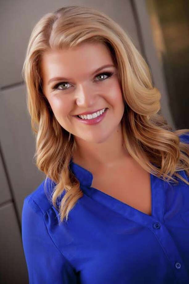Miss Washington - Kailee Dunn Talent: Vocal Career goal: PR for a sports teamPlatform: Girls on the Run: Inspiring Positive Decisions Today Photo: Miss America Organization