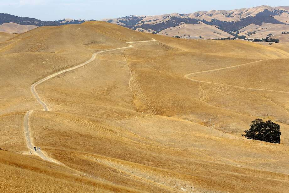 The Tassajara Ridge Trail (left) is adjacent to the proposed site of Creekside Memorial Park Cemetery. Photo: Scott Strazzante, The Chronicle