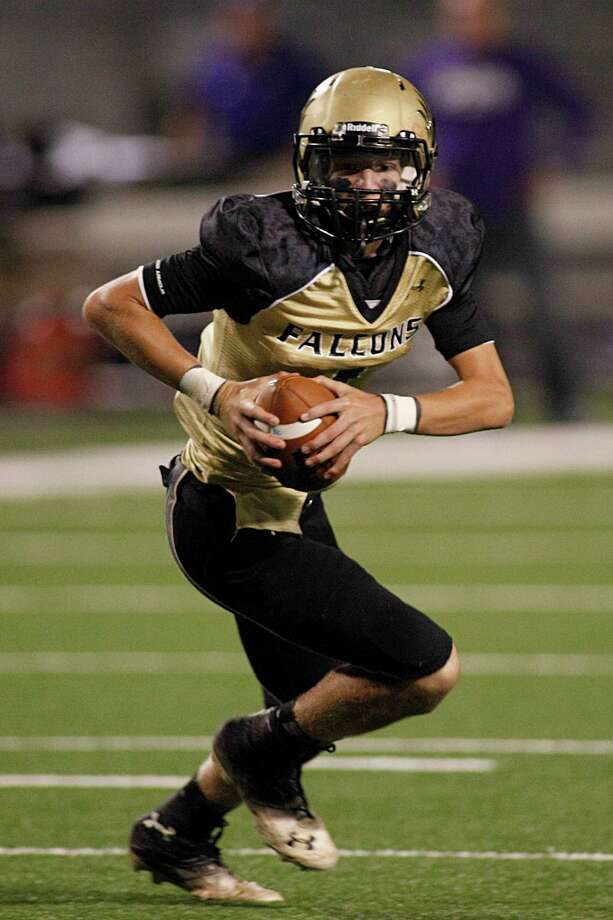 Foster quarterback Trevor Parker set a school mark with seven touchdown passes in last week's opening 70-6 win over Tompkins. Photo: Andrew Richardson, Freelance / © 2013 Andrew Richardson