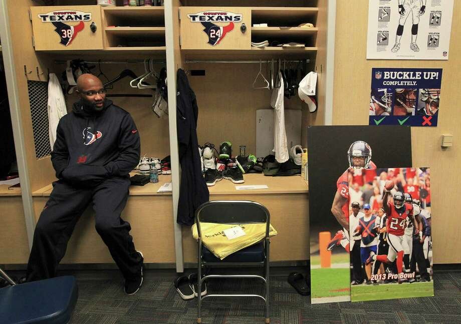 When Danieal Manning cleaned out his locker at the end of the 2013 season, it started a process that appeared to sever ties with the Texans, but he has returned after being one of the last cuts of the Bengals. Photo: Karen Warren, Staff / © 2013 Houston Chronicle