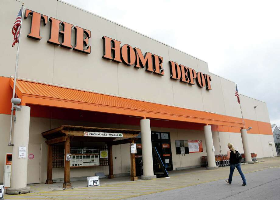 A Capital Region Home Depot supplied Christmas decorations to a Colonie woman who was the victim of thieves who took decorations from her porch.(AP Photo/Mark Humphrey) ORG XMIT: NY121 Photo: Mark Humphrey / AP