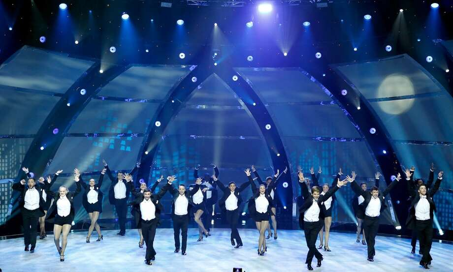 "SO YOU THINK YOU CAN DANCE: SEASON 11 FINALE: The top 20 contestants perform a group dance routine to ""Doctor Jazz"" choreographed by Warren Carlyle on SO YOU THINK YOU CAN DANCE airing Wednesday, September 3 (8:00-10:00 PM ET/PT) on FOX. ©2014 FOX Broadcasting Co. Cr: Adam Rose"