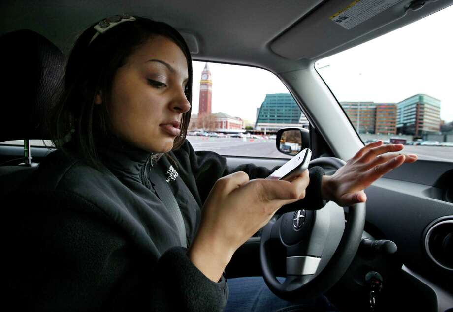 Distracted driving a real dangers for teens - CNN