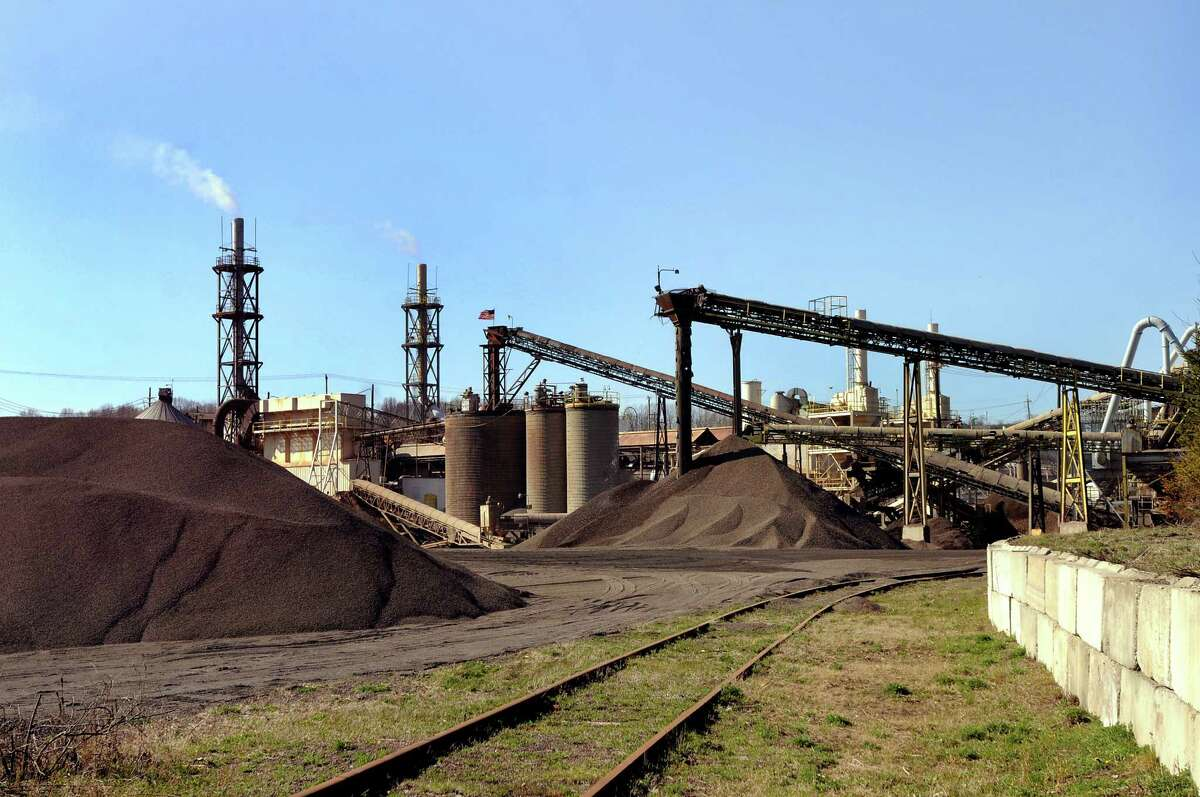 View of Norlite, the state's only commercial hazard waste incinerator, on Thursday, April 16, 2009, in Cohoes, N.Y. For years Norlite has been underreporting the amount of toxic material it's been burning, and now it's quietly signed a consent decree with the Environmental Protection Agency. (Cindy Schultz / Times Union)