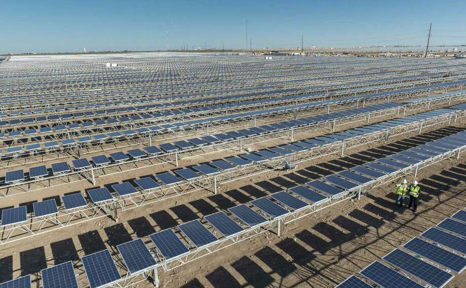 OCI Solar Power's Alamo 4 plant on 600 privately owned acres in Brackettville features more than 150,000 solar panels. Photo: Courtesy OCI Solar Power
