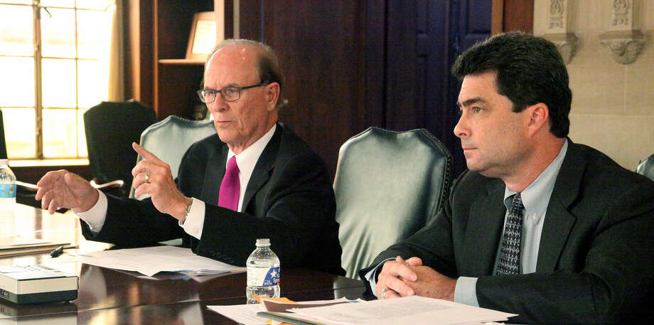 Incumbent County Judge Nelson Wolff and Carlton Soules disagreed on funding for the all-digital BiblioTech library system and for work to improve San Pedro Creek downtown. Photo: Juanito Garza / San Antonio Express-News / SAN ANTONIO EXPRESS-NEWS