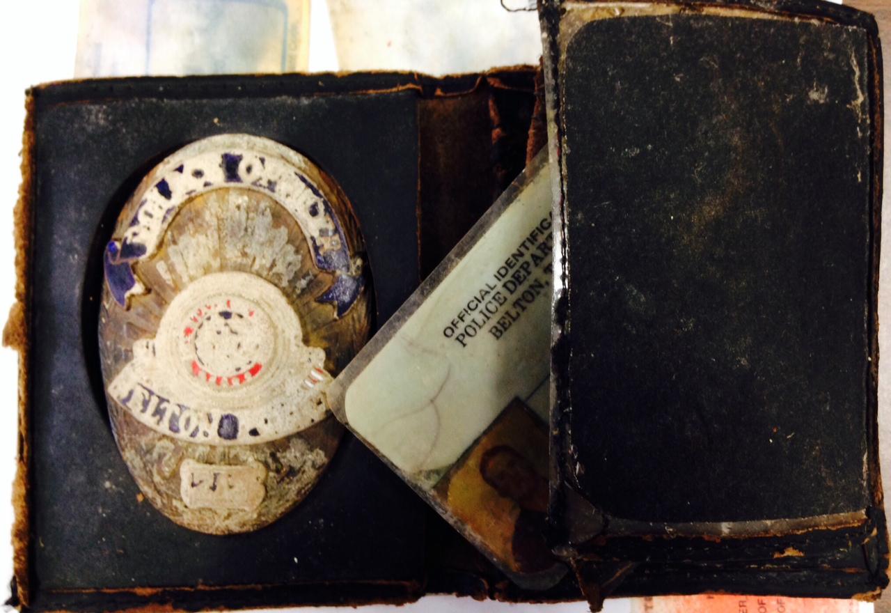 Police Divers Find Texas Officer S Wallet Badge San