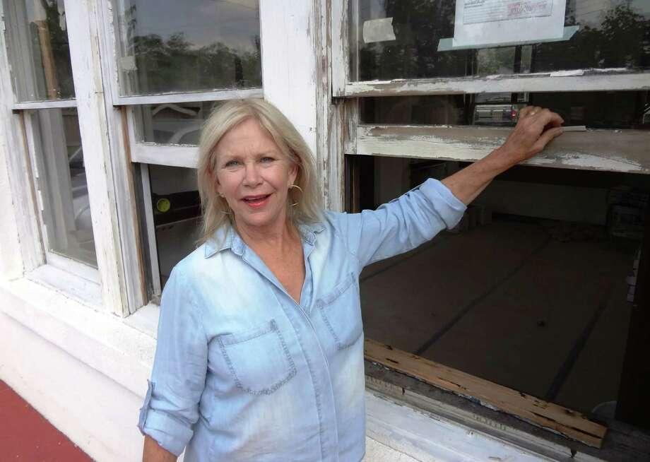 Betty Vexler is restoring a Monte Vista house with 44 windows, all of which needed some repair. Photo: Steve Bennett / San Antonio Express-News