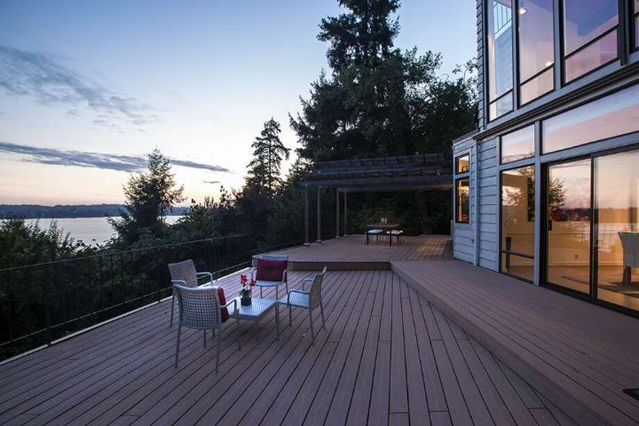 Deck of Steve Miller's former home, at 3809 W. Mercer Way, on Mercer Island. Photo: Courtesy Nicole Demers-Changelo/Windermere Real Estate